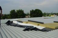 Typ SP -  počas montáže fóliovej strechy na halu LLENTAB