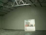 Priečna (štítová) vnútorná deliaca stena montovanej haly
